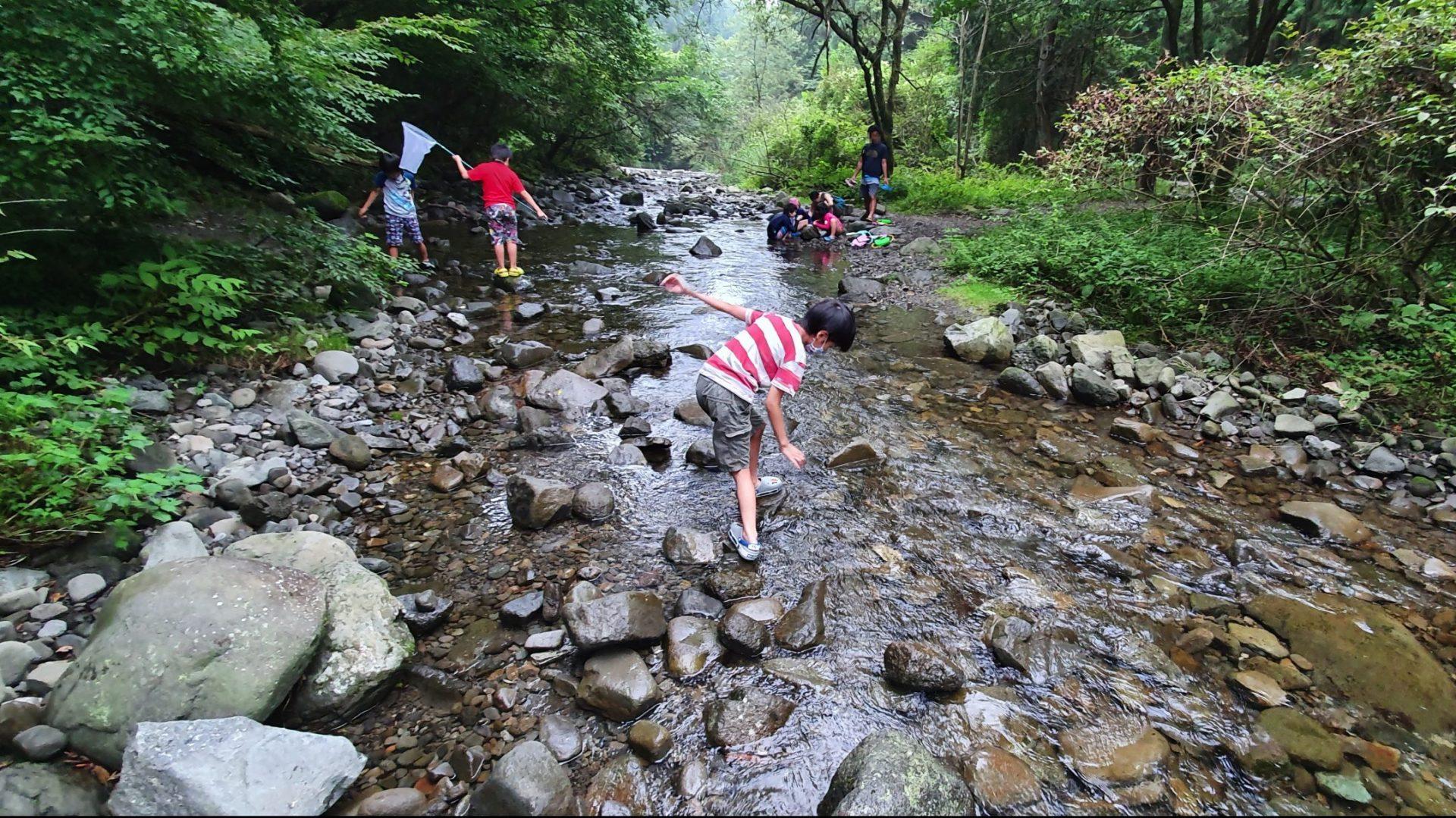 あさぎりキャンプフィールドの川遊び