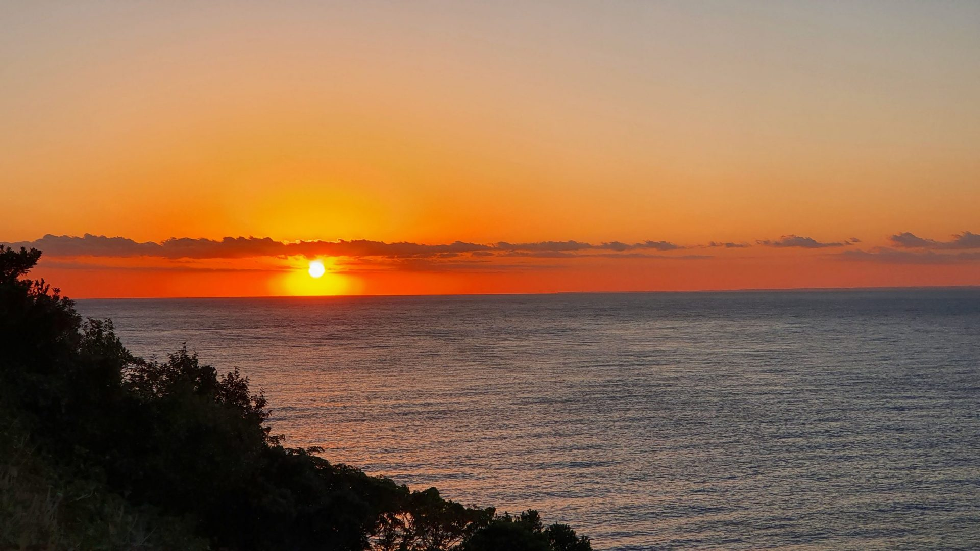 雲見夕陽と潮騒の岬オートキャンプ場