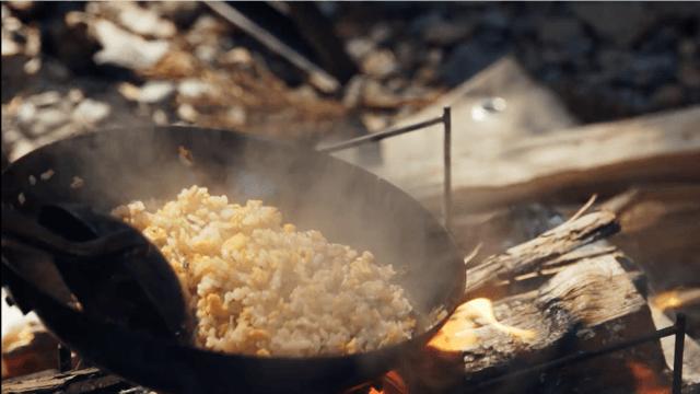 ヨコザワテッパンおやじキャンプ飯中華鍋